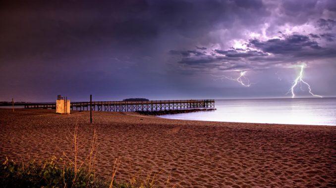daytime-lightning-photography