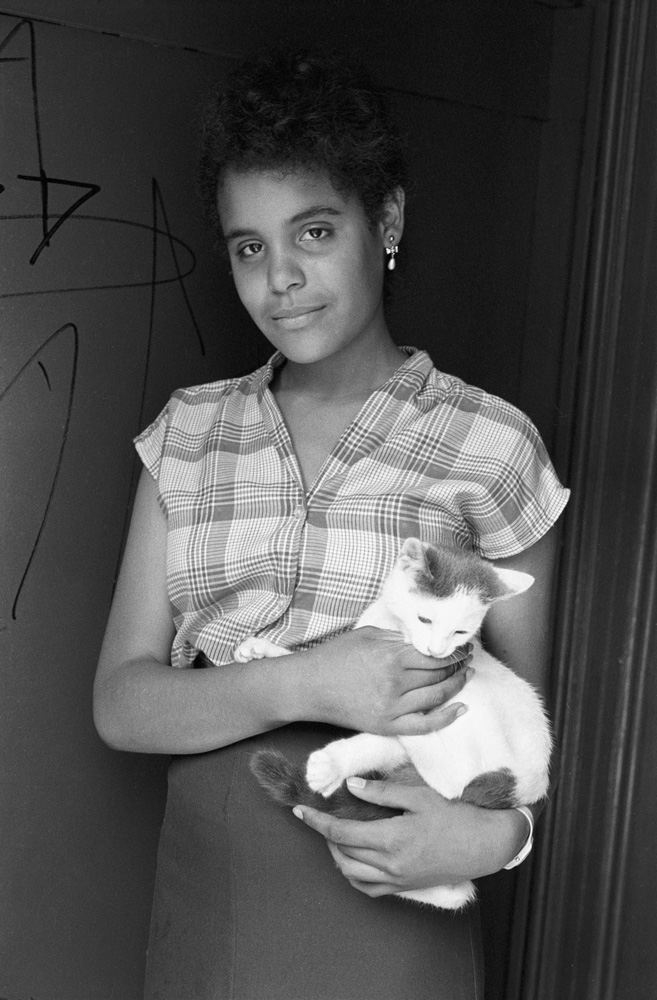 girl-with-cat