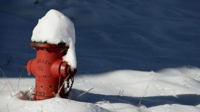 snow-piled7578