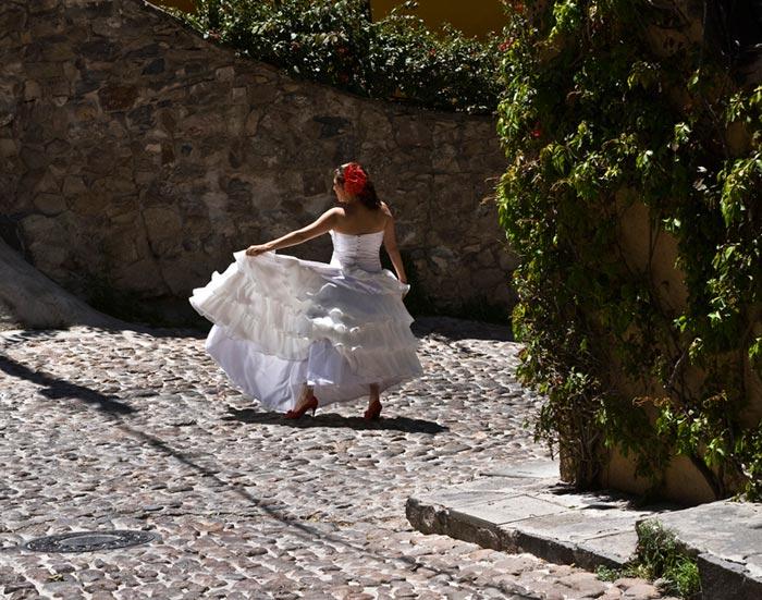 Outdoor photo of a bride in San Miguel de Allende, Mexico by Randy Romano