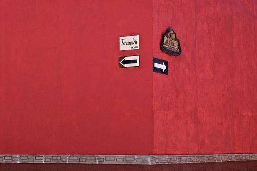 Photo of street signs in San Miguel de Allende, Mexico by Randy Romano