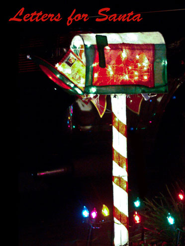 Photo of Christmas Lights on mailbox by Noella Ballenger