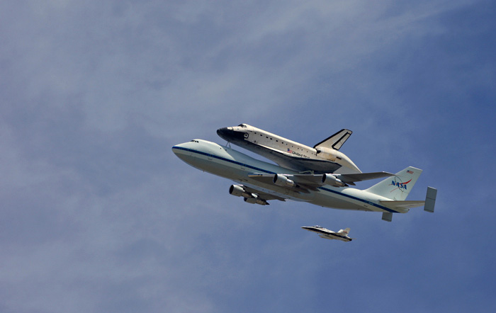 Photo of the Endeavor space shuttle piggy-backed to transport plane by Mike Savage.