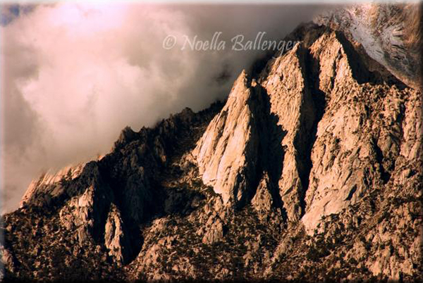 Image of the sharp peaks of the Sierra Nevada Mountains in California by Noella Ballenger.