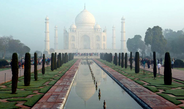 Photo of the Taj Mahal and reflecting pool by Rick Clark