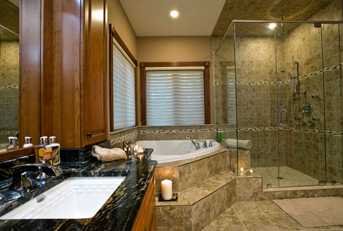 Interior home photography - photo of bathroom by Randy Romano