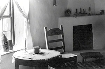 Interior of a Santa Fe home by Laura Machen.
