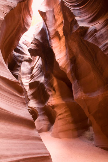 Photo of rock formations in the upper canyon of Antelope Canyon by Piero Leonardi