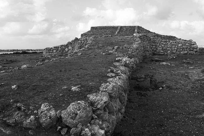 Photo of Pre-Nuragic sanctuary Monte d'Accoddi, Porto Torres, Sassari by John Tollefsen