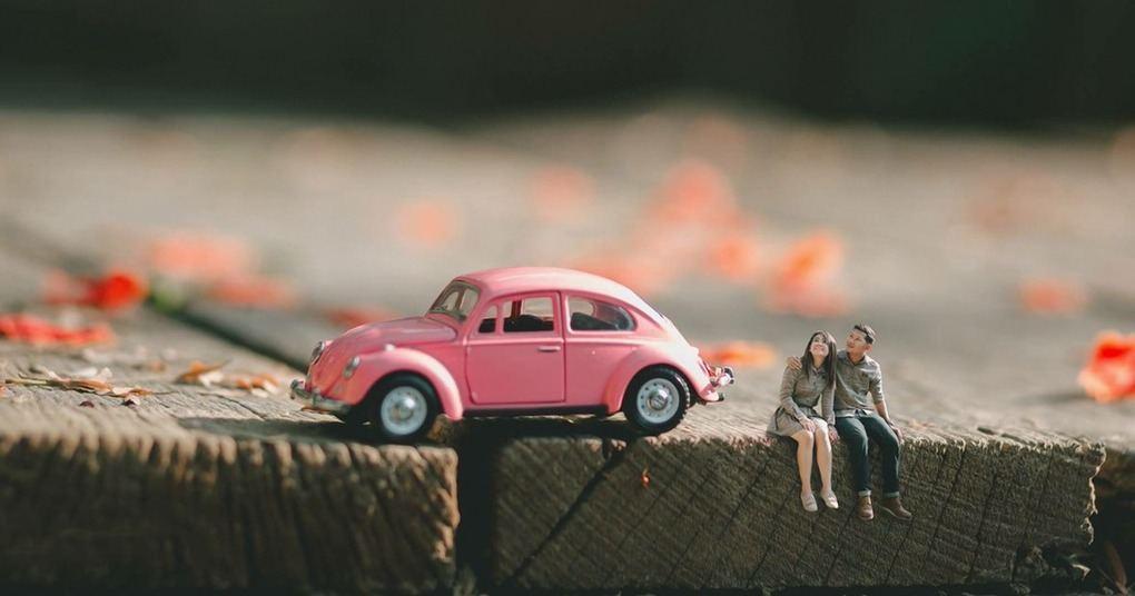 wedding-photographer-turns-couples-into-miniature-people