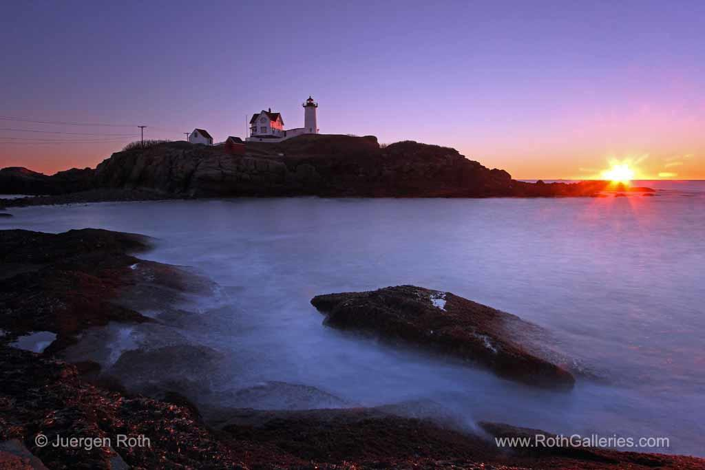 Nubble-Lighthouse-Maine-Sunrise-Photography-Juergen-Roth-1