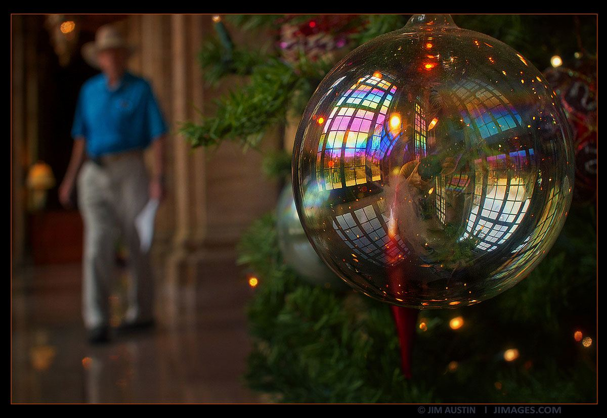 jimages-apogee-closer-christmas-ornament-wpb-flager