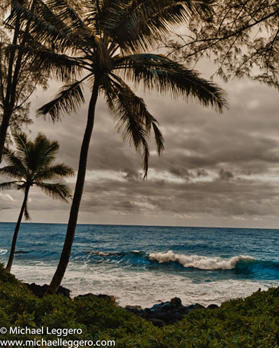Photo of Pacific Ocean from Hawaii shore by Michael Leggero