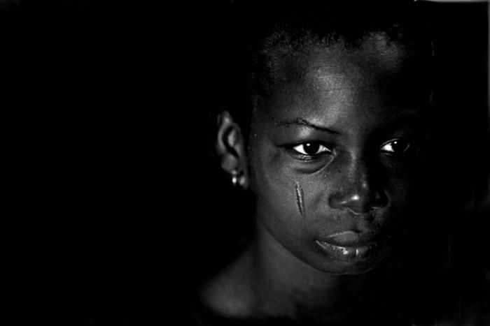 Photo portraid of Latifah, Ghana, Africa by Marielle van Uitert
