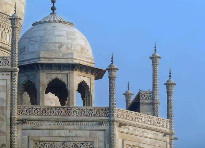 Photo of a tower at the Taj Mahal by Rick Clark