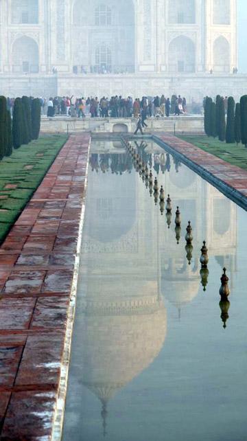 Photo of the Taj Mahal and reflecting pool by Rick Clark