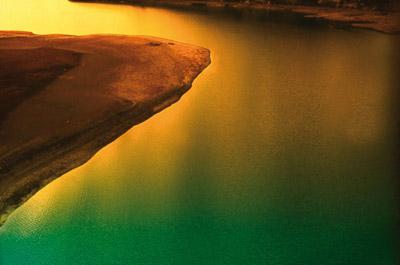 Photo of water taken with shallow depth of field by Piero Leonardi