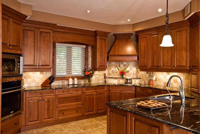 Interior home photography - photo of kitchen by Randy Romano