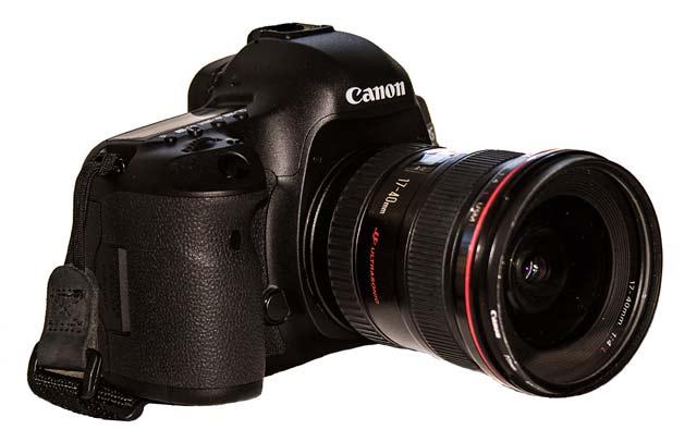 Photo of Canon digital camera by Noella Ballenger.