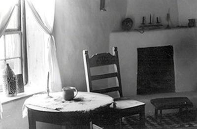 Interior of a Santa Fe home by Laura Machen.