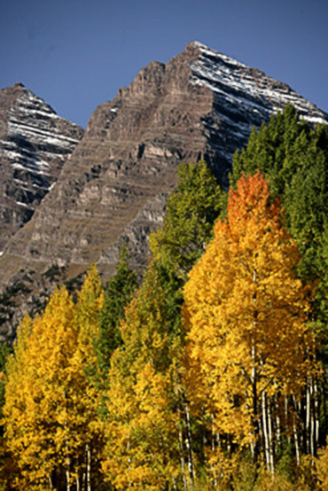 Image of Maroon Bells in Colorado in the fall by Andy Long.