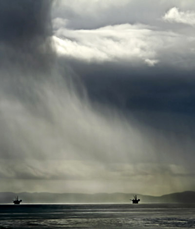 Photo of Pacific ocean and storm cell by Noella Ballenger