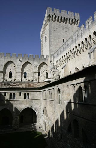 Photo of the castle wall at the Palace of the Popes by Andy Long