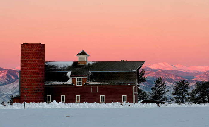 Photo of red barn in the snow using HDR by Andy Long