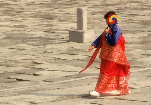 Photo of Korean woman by Ron Veto