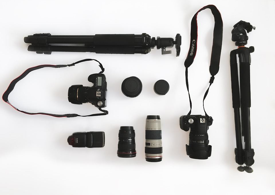 camera equipment accessories travel toolkit photographer beginners essential budget gear photographers architectural magazine apogeephoto memory extra card