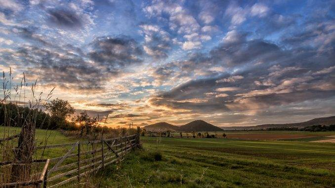 wide angled countryside picture